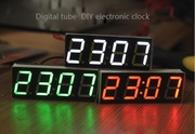 Цифровые часы/термометр/вольтметр